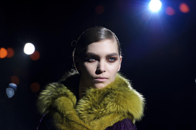 Burberry, Tom Ford lead London fashion showcase