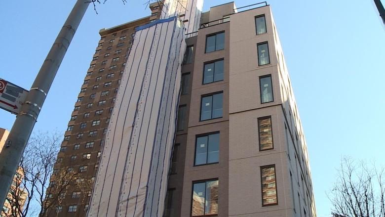 New york turns to micro apartments to solve city 39 s big for Big city apartments