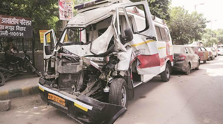 delhi truck ambulance accident, delhi road accidents, delhi dnd accident, delhi city news, indian express news