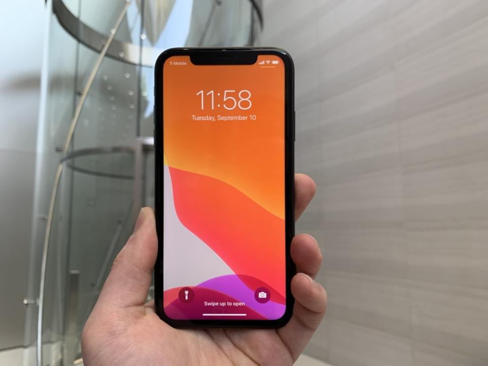 The iPhone 11 looks similar to the iPhone XR up front, but completely different around back. (Image: Howley)