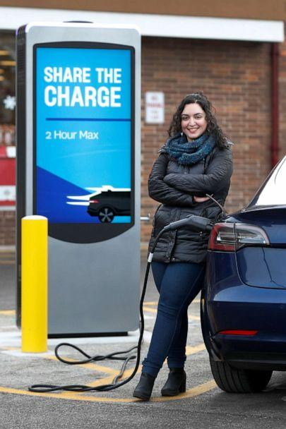 PHOTO: Owners of electric vehicles in a number of states will start seeing fees to pay for road repairs in the new year. (Charles Rex Arbogast/AP)