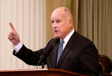 FILE PHOTO: California Governor Jerry Brown delivers his final state of the state address in Sacramento, California, U.S., January 25, 2018. REUTERS/Fred Greaves/File Photo