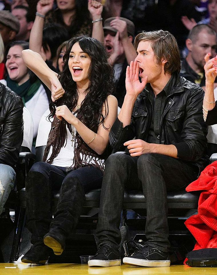 """Lovebirds Vanessa Hudgens and Zac Efron cheer for their hometown team. Noel Vasquez/<a href=""""http://www.gettyimages.com/"""" target=""""new"""">GettyImages.com</a> - December 16, 2008"""