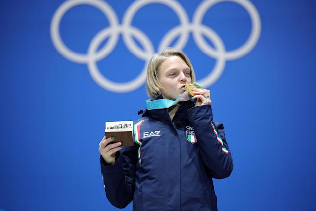 <p>Arianna Fontana of Italy celebrates winning the gold in Ladies' 500m Short Track Speed Skating. (Getty) </p>