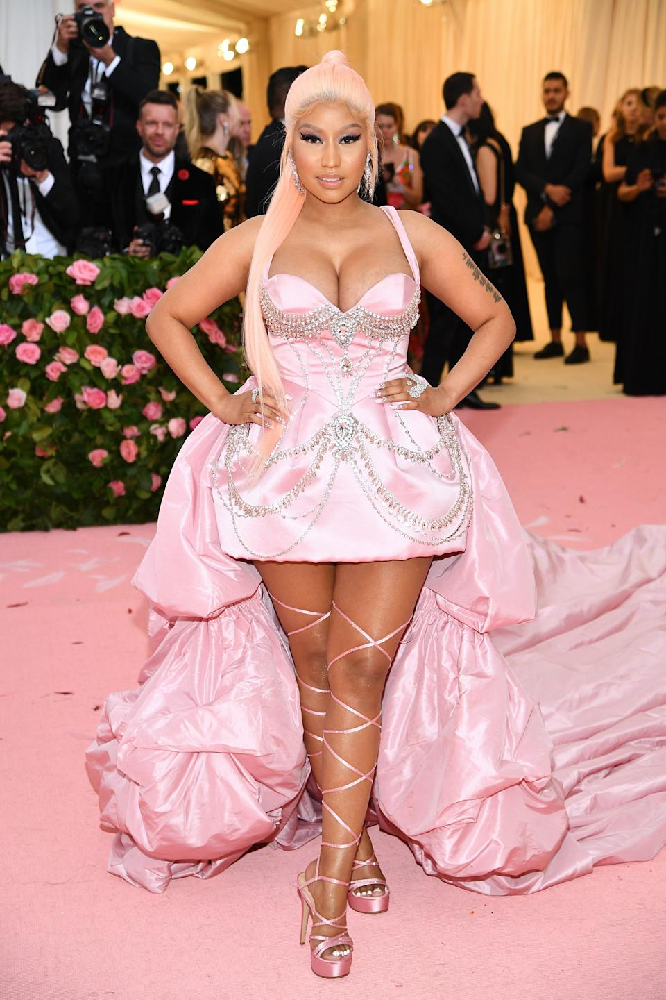 """<h1 class=""""title"""">Nicki Minaj in Atelier Prabal Gurung and custom Brother Vellies shoes</h1><cite class=""""credit"""">Photo: Getty Images</cite>"""