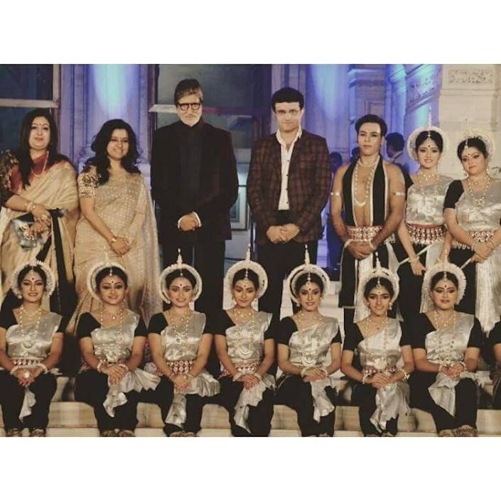 Dona Ganguly and her dancers with Amitabh Bachchan and Sourav Ganguly. (Image courtesy: Dona Ganguly's Facebook profile)