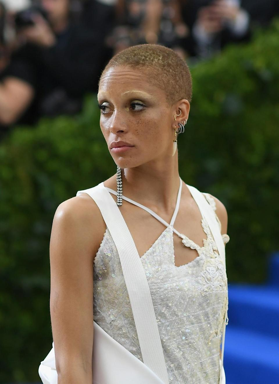 <p>The model Adwoa Aboah played up her heavy lids using Dark Star 006 in UltraSuede Brown. (Photo: Getty Images) </p>