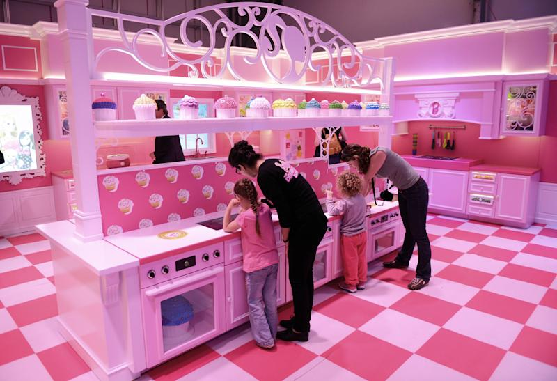 Protesters picket Barbie-themed house in Berlin