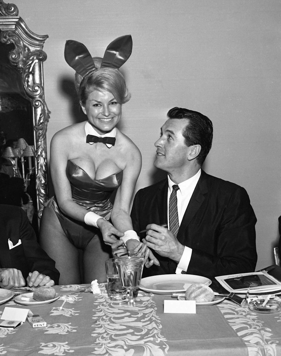 <p>At the Playboy Club in New York, Hudson autographed a Playboy bunny's cuff. The star was at the club for a Motion Picture Pioneers Association dinner. </p>