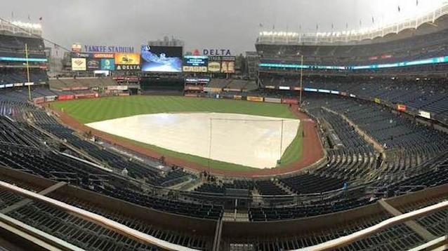 Yankees, Rays game delayed by rain