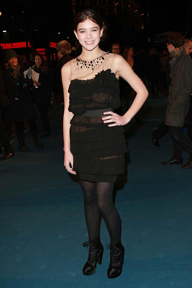 """<a href=""""http://movies.yahoo.com/movie/contributor/1810180267"""">Hailee Steinfeld</a> arrives at the London premiere of <a href=""""http://movies.yahoo.com/movie/1810096458/info"""">TRON: Legacy</a> on December 5, 2010."""