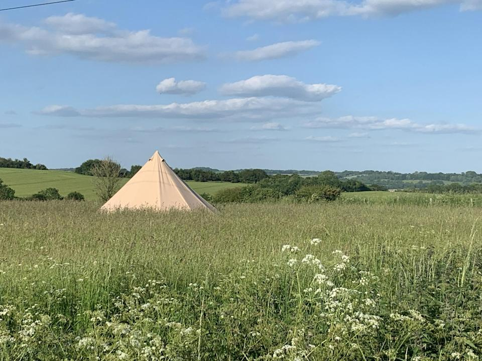 (Hillview Farm Glamping)