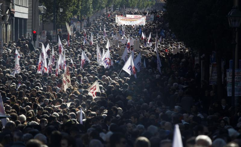 Greeks strike, march in protest against austerity