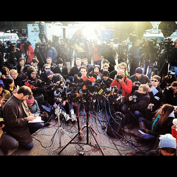 Awaiting a press briefing in Newtown. (Dylan Stableford/Yahoo! News)