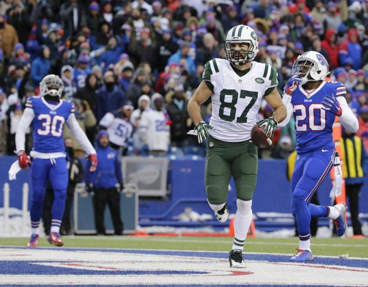 Eric Decker was officially cut by the Jets on Monday. (AP)