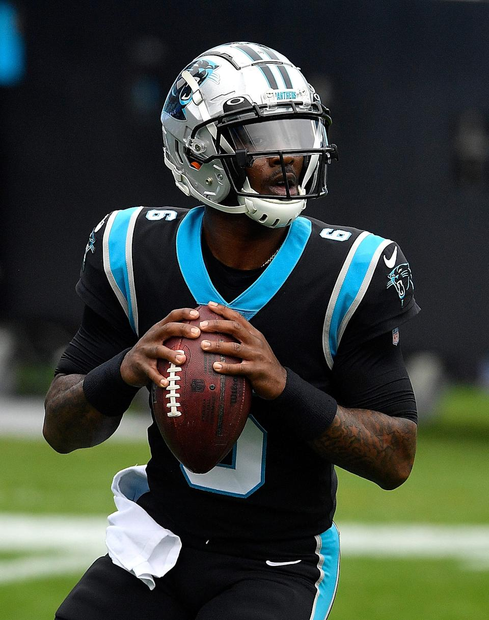 1287070117.jpg CHARLOTTE, NORTH CAROLINA - NOVEMBER 22:  P.J. Walker #6 of the Carolina Panthers warms up during pregame prior to facing the  Detroit Lions at Bank of America Stadium on November 22, 2020 in Charlotte, North Carolina. (Photo by Grant Halverson/Getty Images)