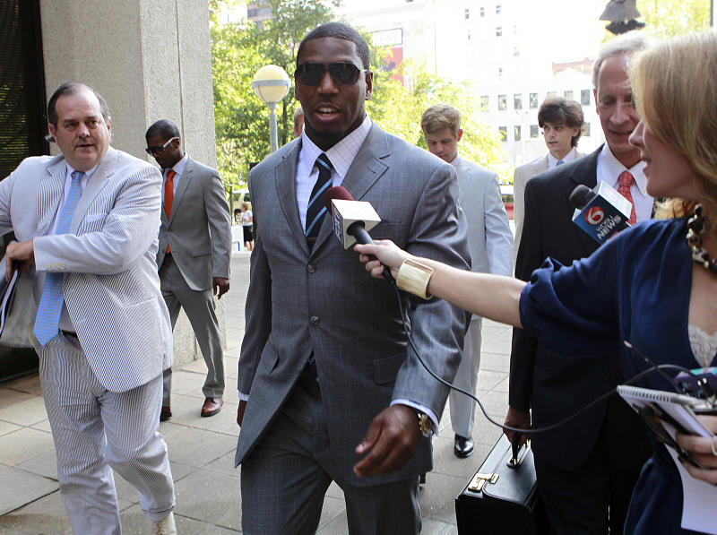 Suspended New Orleans Saints linebacker Jonathan Vilma arrives to testify at Federal Court  in New Orleans, Thursday, July 26, 2012.  Vilma is seeking a temporary restraining order that would allow him to return to work while his lawsuit against NFL Commissioner Roger Goodell is pending. Goodell suspended Vilma for the entire season for what the NFL has said was his leading role in a player-funded bounty program that paid cash bonuses to Saints defensive players for hits that injured opponents. (AP Photo/Gerald Herbert)
