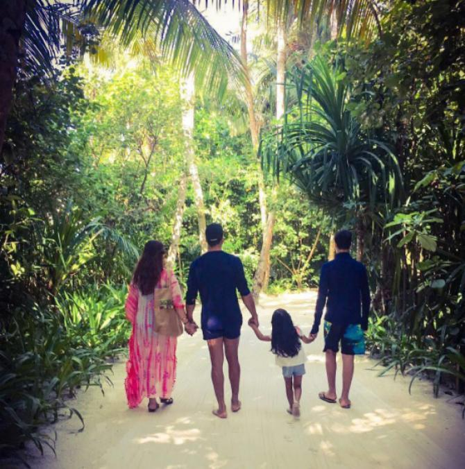 Akshay Kumar And Twinkle Khanna Family
