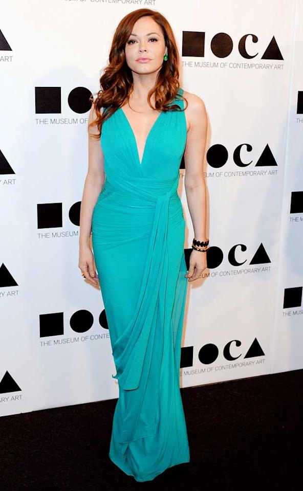 There's no denying the gorgeousness of the Herve Leroux gown worn by Rose McGowan at the 2011 MOCA gala. The bright hue was to die for, as were her accessories: Vhernier earrings, a matching cocktail ring, and Gucci sandals. (11/12/2011)