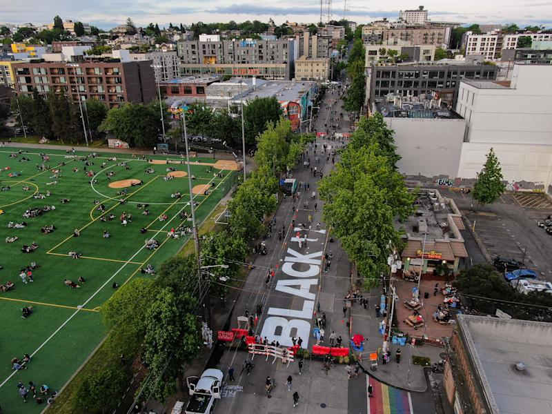 Image: Capitol Hill Autonomous Zone in Seattle (David Ryder / Getty Images)