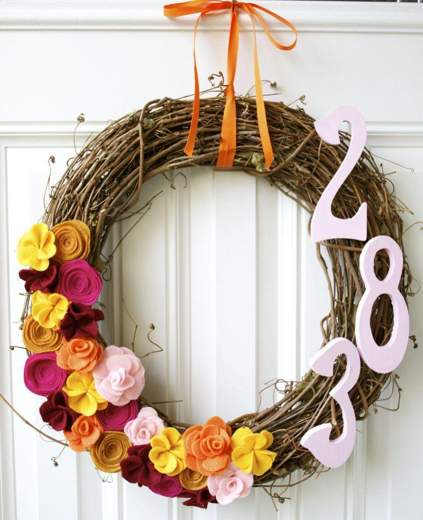 """<p>Although these felt flowers might take a little more time than your typical wreath project, the results are well worth it.</p><p><strong>Get the tutorial at <a href=""""http://www.missbizibee.com/how-to-make-felt-flowers/"""" rel=""""nofollow noopener"""" target=""""_blank"""" data-ylk=""""slk:Miss Bizi Bee"""" class=""""link rapid-noclick-resp"""">Miss Bizi Bee</a>.</strong> </p>"""