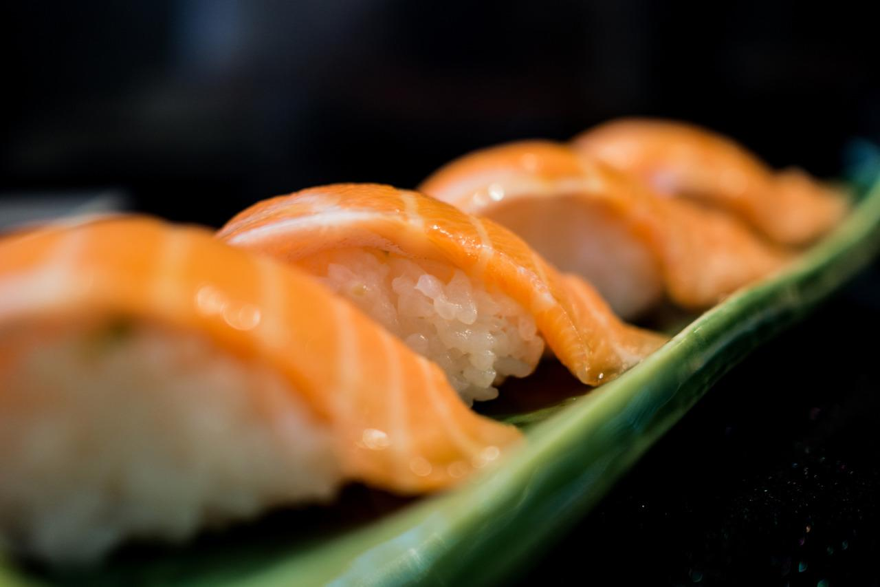 "<p>That salmon on your nigiri may not have come from the ocean. <a href=""http://usa.oceana.org/publications/reports/oceana-reveals-mislabeling-americas-favorite-fish-salmon"">A report</a> by conservation group Oceanea found that almost half of salmon labelled ""wild-caught"" in restaurants and grocery stores was actually farmed. </p><p>Farmed salmon tend to be grey, so farmers add pink colouring to give them a fresher appearance. <i>[Photo: Getty/<a href=""http://www.gettyimages.ca/search/photographer?photographer=StagnantLife&excludenudity=true&family=creative&license=rf&page=1&phrase=salmon+nigiri&sort=best"">StagnantLife</a>]</i></p>"