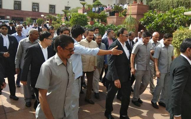 Sahara's Subrata Roy warned by Supreme Court: Pay Rs 2050 crore by June 19 or go to jail