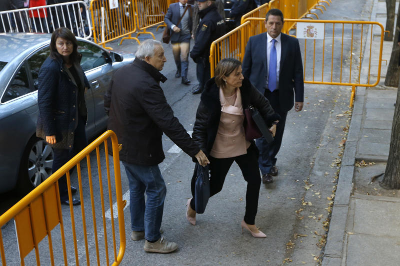 The Latest: Latvians protest at Spain Embassy over Catalonia