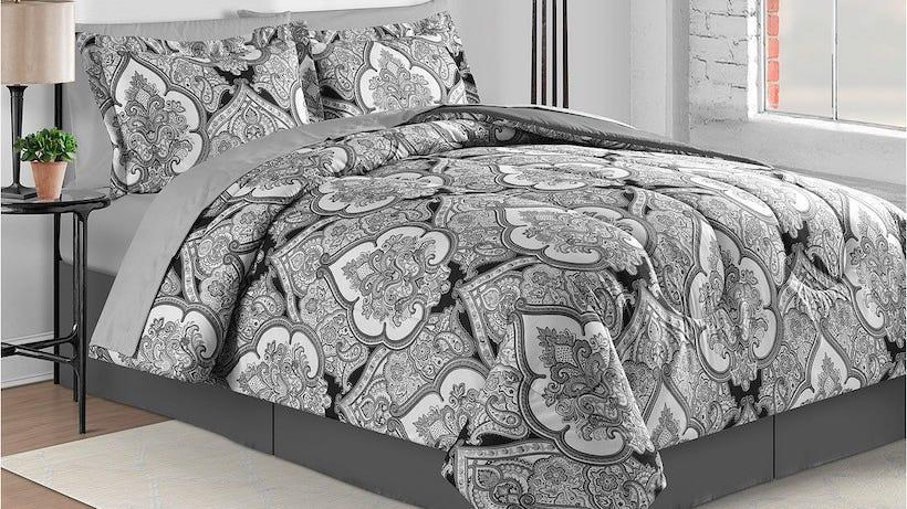 Sae 65% on these eight-piece bedding sets.