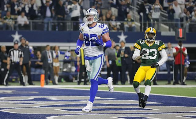 Jason Witten will remain a Cowboy for the forseable future. (AP)
