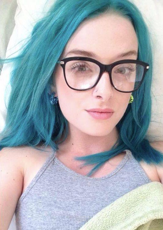 18-year-old Danielle Duperreault ad been employed at retail store Urban Planet for two months before the incident occurred. Photo: Facebook