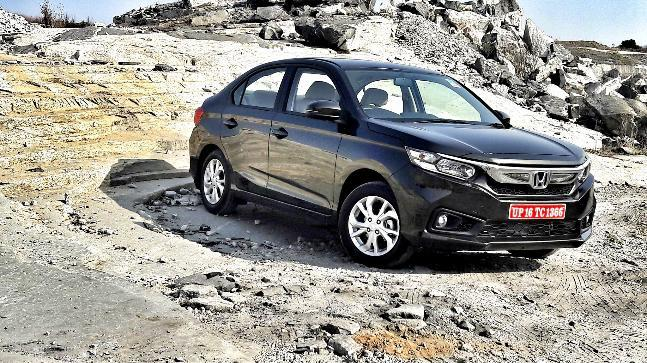 The prices for the Amaze start at Rs 5.60 lakh, ex-showroom for the base E trim and goes all the way to Rs 9.00 lakh for the top-spec diesel variant.