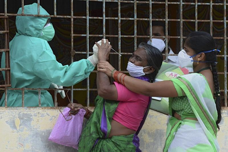 India Coronavirus Cross 70 Lakh as Experts Warn of Face Mask, Social Distancing Fatigue Setting In