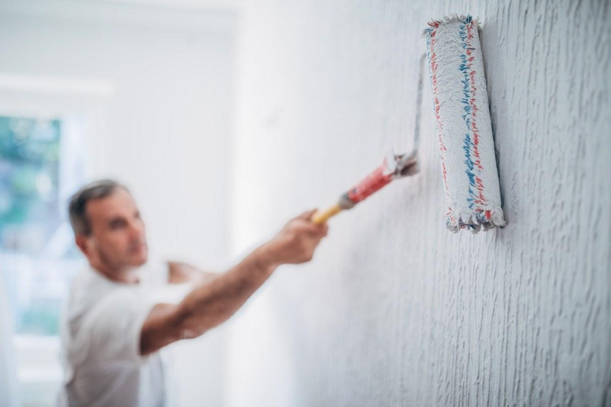 """There are definitely some dos and don'ts when it comes to <a href=""""https://bestlifeonline.com/property-brothers-design-tips/?utm_source=yahoo-news&utm_medium=feed&utm_campaign=yahoo-feed"""" target=""""_blank"""">designing and decorating your home</a>—especially in regards to paint color. After all, a fresh coat of paint can instantly change the feel of any room in your house—as well as the aesthetic of its exterior. And when it comes to choosing a paint color, not all hues are created equal, with certain shades better left to reside in the """"don't"""" category. So, before you get your brush and roller ready to go, here are the paint colors experts say you should never use in certain rooms of your home.      <div class=""""number-head-mod number-head-mod-standalone"""">         <h2 class=""""header-mod"""">                     <div class=""""number""""></div>             <div class=""""title"""">Don't use red in the bedroom.</div>                     </h2>     </div>"""