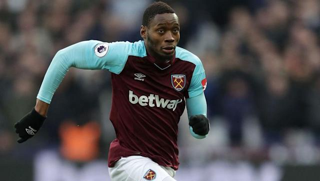"""<p><strong>Transfer: West Ham to Swansea City</strong></p> <br><p>One player who seems certain on leaving the London Stadium this window is Senegalese striker Diafra Sakho. The 28-year-old could be on his way to Swansea City, who are keen to <a href=""""http://www.90min.com/posts/5935347-swansea-west-ham-eye-each-other-s-stars-as-january-transfer-window-opens"""" rel=""""nofollow noopener"""" target=""""_blank"""" data-ylk=""""slk:bolster"""" class=""""link rapid-noclick-resp"""">bolster</a> their striking options ahead of the upcoming relegation battle.</p>"""