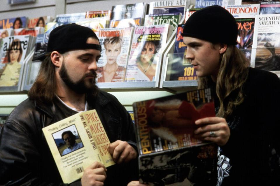 <ul> <li><strong>What to wear for Jay:</strong> Baggy pants; large black t-shirt, preferably with something offensive on it; yellow parka; and a black beanie. You also might need a long blond wig.</li> <li><strong>What to wear for Silent Bob:</strong> Sport some facial hair (if you can), put on a backward white hat, a black t-shirt, and a big coat.</li> </ul>