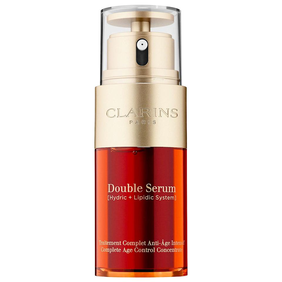 """It brightens. It hydrates. It firms. In a nutshell, it's easier to list what the supercharged Clarins Double Serum <em>can't</em> do. """"The serum is great for people with combination skin because it hydrates dry areas and is not too heavy for oily areas,"""" says <a href=""""http://www.zeichnerdermatology.com/"""" rel=""""nofollow noopener"""" target=""""_blank"""" data-ylk=""""slk:Joshua Zeichner"""" class=""""link rapid-noclick-resp"""">Joshua Zeichner</a>, a dermatologist and director of the cosmetic and clinical research department of dermatology at Mount Sinai hospital in New York City. """"It contains a variety of soothing and brightening botanicals, including its hero ingredient, turmeric, which has anti-inflammatory and antioxidant properties."""""""