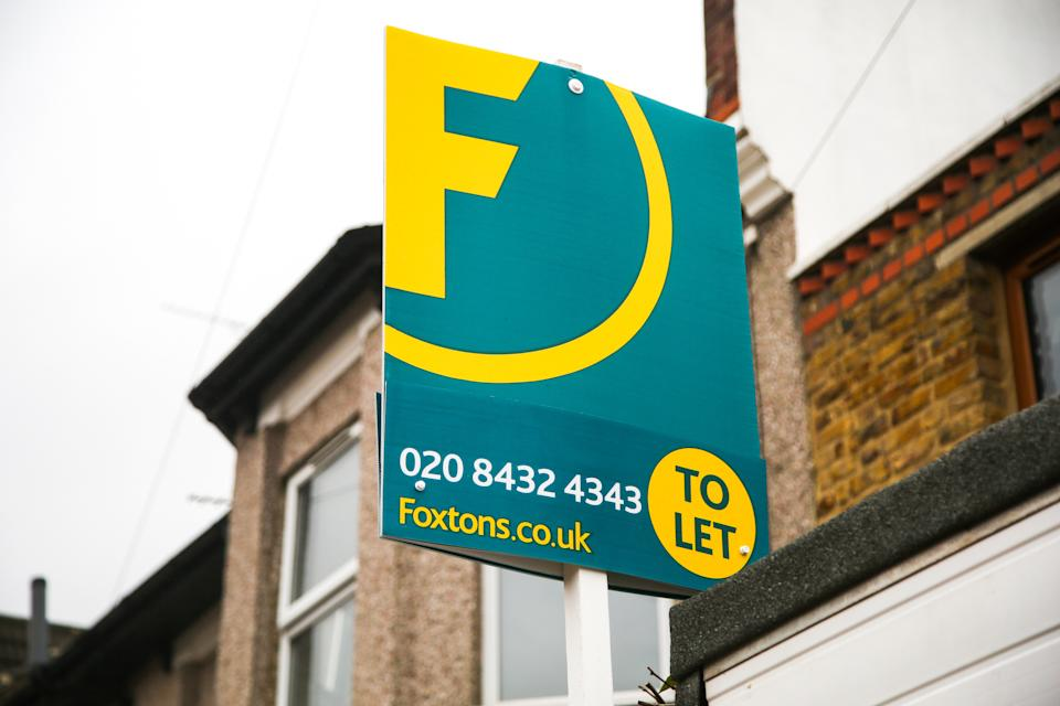 A Foxtons' 'To Let' estate agent board sign erected outside a property in London. (Photo by Dinendra Haria / SOPA Images/Sipa USA)