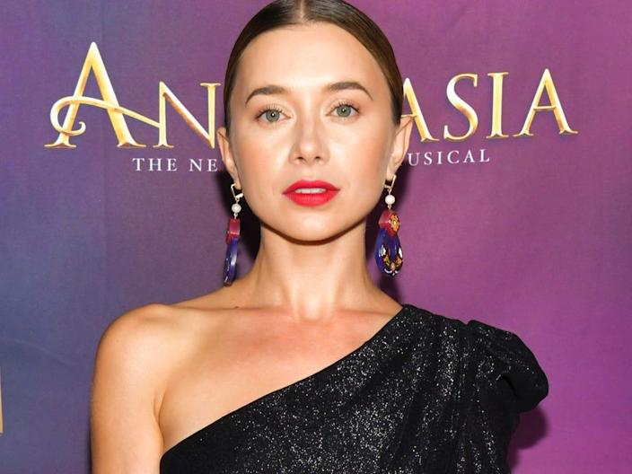 olesya rulin october 2019