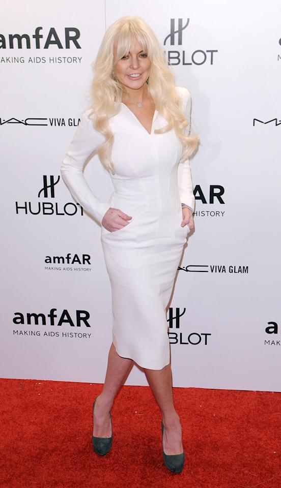 Lindsay Lohan, there's nothing wrong with this Tom Ford dress per se. It's the whole look together that's disturbing us.