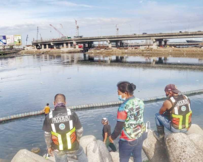 Cebu City holds river cleanup