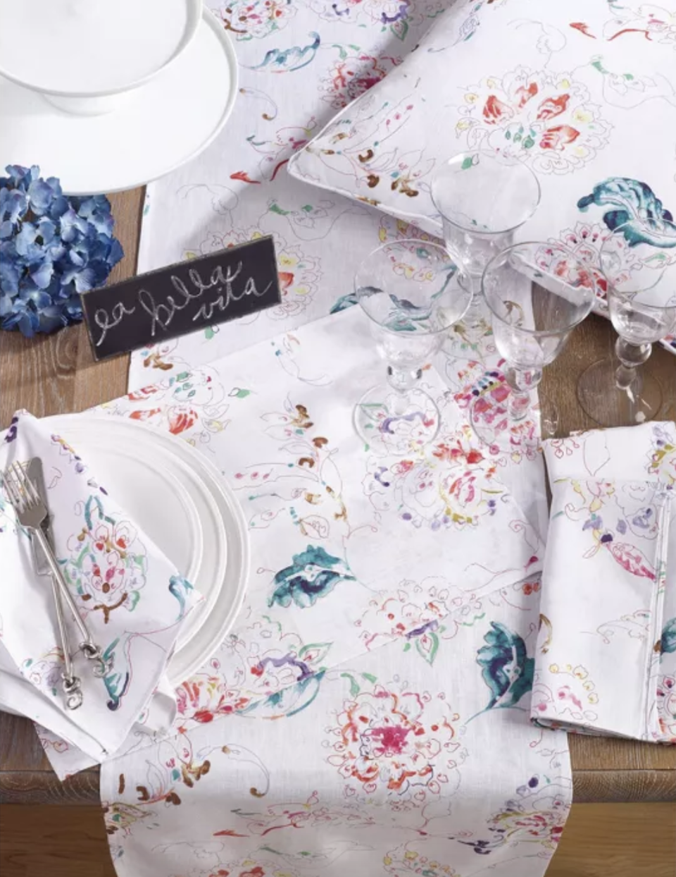 "<p><strong>Saro Lifestyle</strong></p><p>target.com</p><p><strong>$40.99</strong></p><p><a href=""https://www.target.com/p/4pk-white-primavera-printed-floral-design-napkin-20-34-saro-lifestyle/-/A-52602566"" rel=""nofollow noopener"" target=""_blank"" data-ylk=""slk:Shop Now"" class=""link rapid-noclick-resp"">Shop Now</a></p><p>If your mom loves hosting dinner parties, she'll adore a matching set of pink floral napkins.</p>"