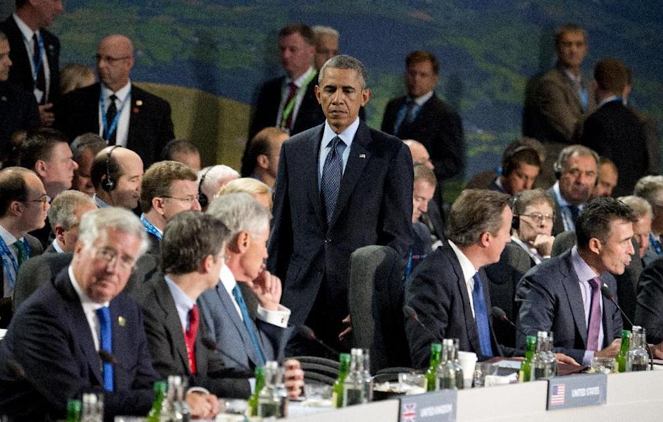 US President Barack Obama arrives for a meeting on the second day of the NATO 2014 Summit at the Celtic Manor Resort in Newport, South Wales, on September 5, 2014 (AFP Photo/Alain Jocard)