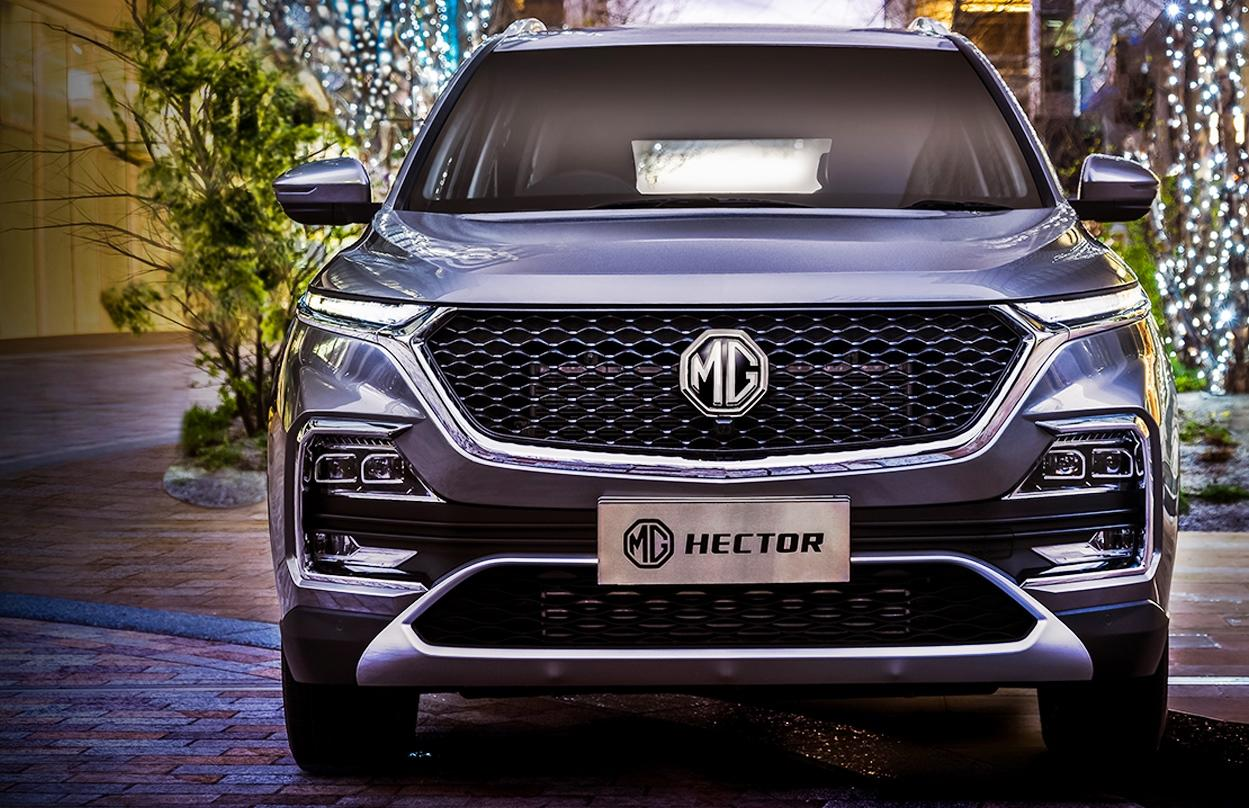 <p>It's big. In fact, it's the biggest of them all with a length of more than 4.6m and a healthy ground clearance of 192mm, which means that it towers over its rivals easily. In terms of sheer size it matches bigger 7-seater SUVs. </p>