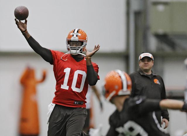 Less than two weeks after Browns sign Vince Young, they cut him