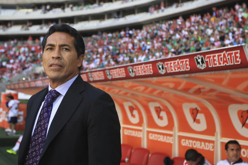 GUADALAJARA, MEXICO - FEBRUARY 24: Benjamin Galindo, coach of Chivas looks on during a match between Chivas and Leon as part of the Clausura 2013 Liga MX at Omnilife Stadium on February 24, 2013 in Guadalajara, Mexico. (Photo by Cioran Castañeda/LatinContent via Getty Images)