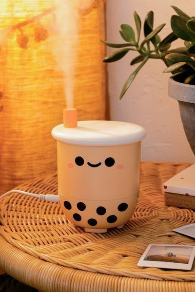 "<br><br><strong>Smoko</strong> Pearl Boba Tea Diffuser, $, available at <a href=""https://go.skimresources.com/?id=30283X879131&url=https%3A%2F%2Fwww.smokonow.com%2Fproducts%2Fpearl-boba-tea-diffuser"" rel=""nofollow noopener"" target=""_blank"" data-ylk=""slk:Smoko"" class=""link rapid-noclick-resp"">Smoko</a>"