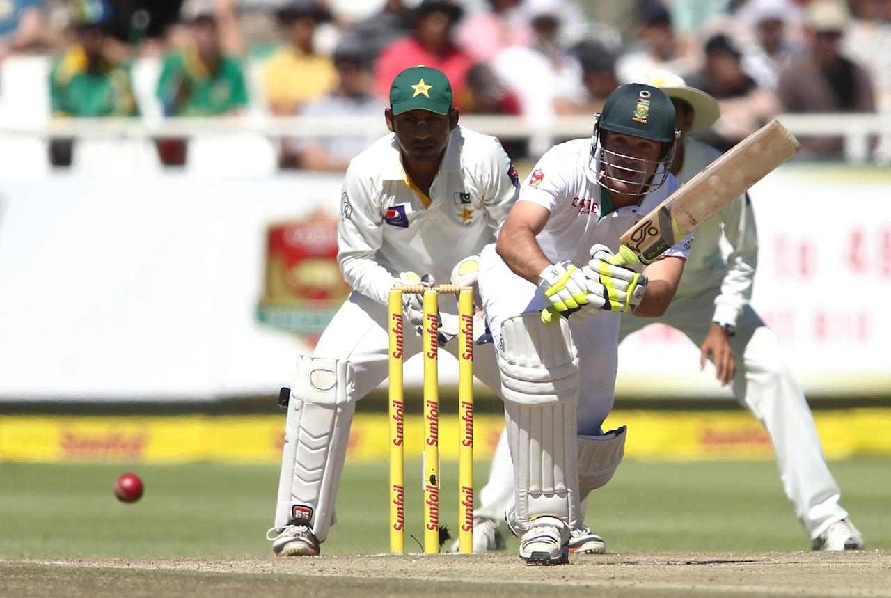 CAPE TOWN, SOUTH AFRICA - FEBRUARY 16:  Dean Elgar of South Africa in action during day 3 of the 2nd Sunfoil Test match between South Africa and Pakistan at Sahara Park Newlands on February 16, 2013 in Cape Town, South Africa. (Photo by Shaun Roy/Gallo Images/Getty Images)