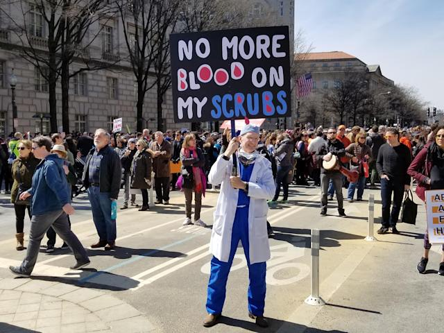 Dr. Tyr Wilbanks holds a sign at the March for Our Lives in Washington, D.C. (Christopher Wilson/Yahoo News)