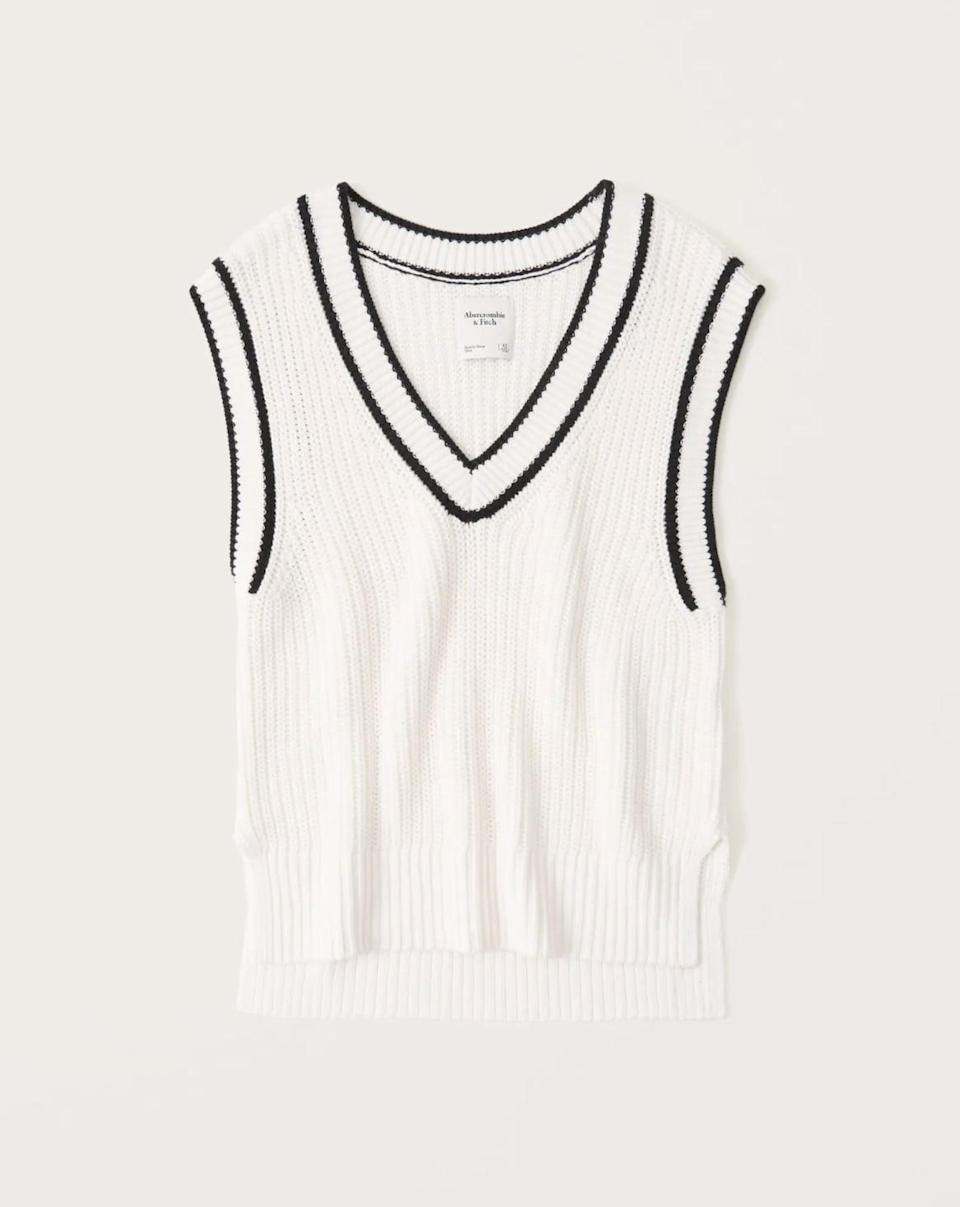 <p><span>Abercrombie &amp; Fitch Oversized Sweater Vest</span> ($59) </p>